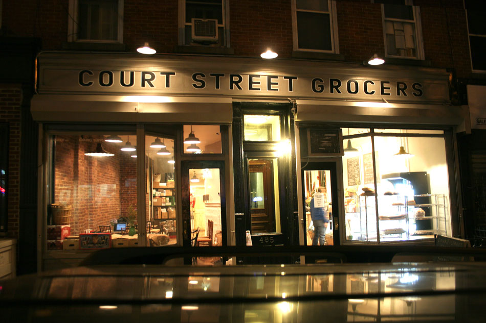 court_street_grocers_hand_painted_sign_brooklyn_nyc_new_york_1.jpg