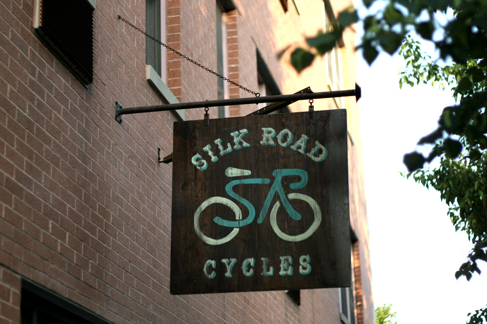 silk_road_cycles_blade_sign_hand_painted_brooklyn_nyc_new_york_8.jpg